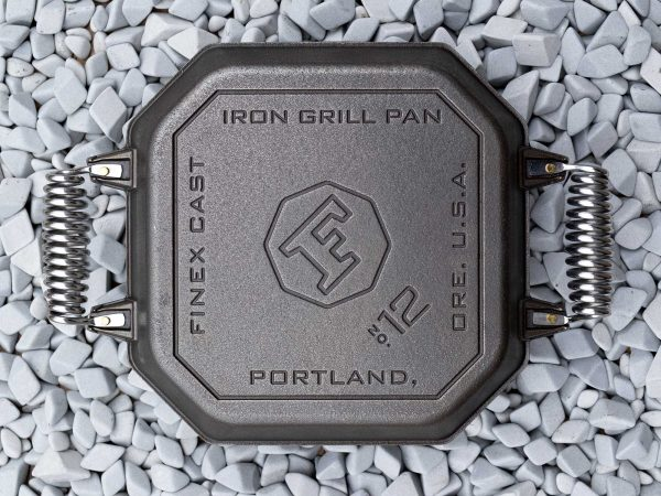product-grill-pan-on-the-rocks